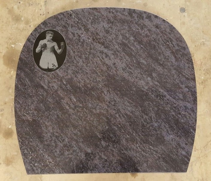 Etching on a Bahama Blue memorial with Black plaque inset